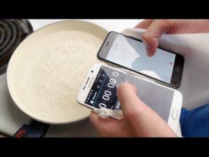 Test in acqua bollente tra Galaxy S6 e Iphone 6 (VIDEO)
