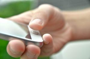 Come rendere più preciso il lettore di impronte digitali di uno smartphone Android