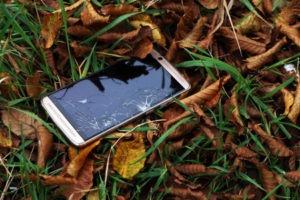 Come sbloccare uno smartphone Android che ha lo schermo rotto [GUIDA]